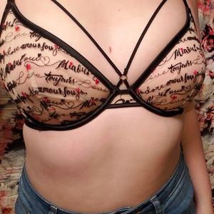 NWT Victorias Secret Embroidered/Unlined Bra